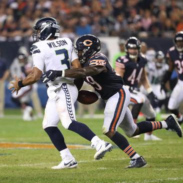2018 Jackets In The Pros Archives, (59) Danny Trevathan, Chicago Bears, Seahawks quarterback Russell Wilson (3) fumbles as he is sacked by Bears linebacker Danny Trevathan (59) in the fourth quarter at Soldier Field on Monday, Sept. 17, 2018. (John J. Kim / Chicago Tribune) Carver Heights Quarterback Club, Leesburg High School, Leesburg, Florida